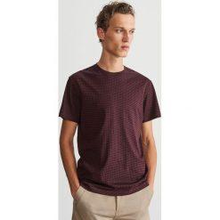 T-shirt z drobnym nadrukiem - Bordowy. T-shirty męskie marki Giacomo Conti. W wyprzedaży za 19.99 zł.