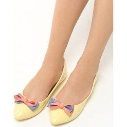 Żółte Balerinki Piccolo. Żółte baleriny damskie Born2be, w kolorowe wzory, z materiału. Za 29.99 zł.