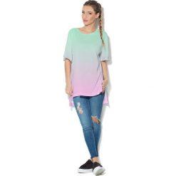 Colour Pleasure Koszulka CP-033  62 zielono-różowa r. uniwersalny. Bluzki damskie marki Colour Pleasure. Za 76.57 zł.