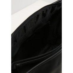 Armani Exchange MESSENGER BAG Torba na ramię nero/black. Torby na laptopa męskie marki Kazar. W wyprzedaży za 423.20 zł.