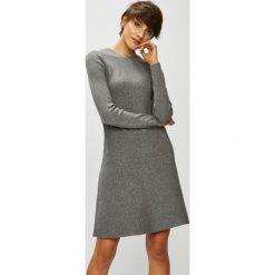 Vero Moda - Sukienka. Szare sukienki damskie Vero Moda, z dzianiny, casualowe, z okrągłym kołnierzem, z długim rękawem. Za 169.90 zł.