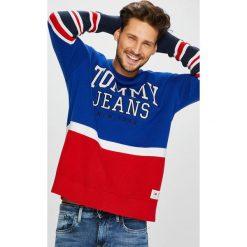 Tommy Jeans - Sweter DM0DM05072. Szare swetry przez głowę męskie Tommy Jeans, z jeansu. Za 499.90 zł.