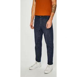 Review - Jeansy Dad. Niebieskie jeansy męskie Review. Za 179.90 zł.