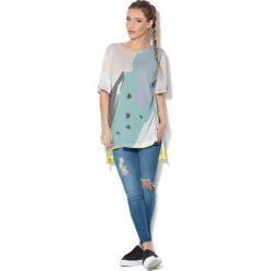 Colour Pleasure Koszulka CP-033  26 biało-błękitno-żółta r. uniwersalny. T-shirty damskie Colour Pleasure. Za 76.57 zł.