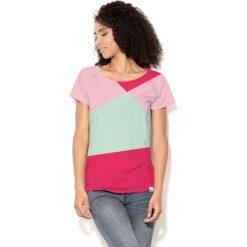 Colour Pleasure Koszulka damska CP-034  3 miętowo-różowo-malinowa r. XXXL-XXXXL. T-shirty damskie Colour Pleasure. Za 70.35 zł.