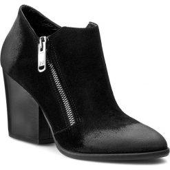 Półbuty LIU JO - Ankle Boots Charme S65091 P0196  Nero 22222. Czarne botki damskie Liu Jo, z nubiku, eleganckie. W wyprzedaży za 449.00 zł.