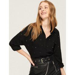 Koszula z aplikacją - Czarny. Czarne koszule damskie Sinsay, z aplikacjami. Za 59.99 zł.