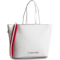 Torebka CALVIN KLEIN - Pop Touch Shopper K60K604286  002. Szare torebki shopper damskie Calvin Klein, ze skóry ekologicznej. W wyprzedaży za 559.00 zł.