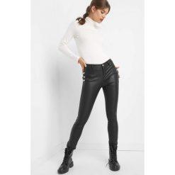 Spodnie z guzikami. Czarne spodnie materiałowe damskie Orsay, z bawełny. Za 129.99 zł.