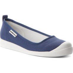 Półbuty CALVIN KLEIN JEANS - Libby R8947  Steel Blue. Niebieskie półbuty damskie Calvin Klein Jeans, z jeansu. W wyprzedaży za 279.00 zł.