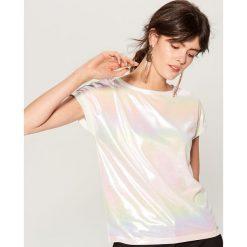 Koszulka z holograficznym efektem - Biały. Białe t-shirty damskie Mohito. Za 39.99 zł.