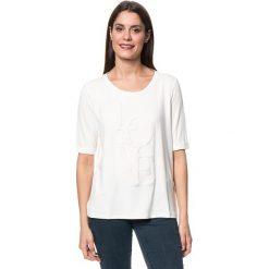 Koszulka w kolorze kremowym. T-shirty damskie Tom Tailor, z aplikacjami, z wiskozy, z okrągłym kołnierzem. W wyprzedaży za 65.95 zł.
