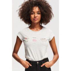 T-shirt z nadrukiem Pusheen - Jasny szar. Szare t-shirty damskie Reserved, z nadrukiem. Za 29.99 zł.