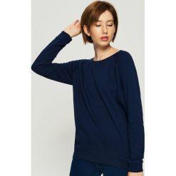 Bluza z raglanowymi rękawami - Granatowy. Niebieskie bluzy damskie Sinsay. Za 29.99 zł.