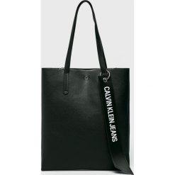 Calvin Klein Jeans - Torebka. Czarne torby na ramię damskie Calvin Klein Jeans. Za 599.90 zł.