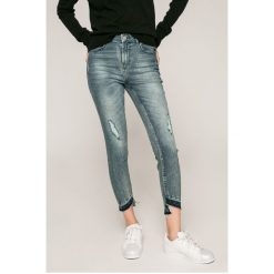 Jacqueline de Yong - Jeansy. Niebieskie jeansy damskie Jacqueline de Yong. W wyprzedaży za 69.90 zł.
