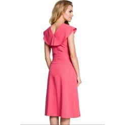 Sukienka rozkloszowana z falbanami moe311. Czerwone sukienki damskie MOE, z jeansu. W wyprzedaży za 99.00 zł.