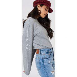 NA-KD Bluza dresowa - Grey. Szare bluzy damskie NA-KD, z nadrukiem, z dresówki. Za 121.95 zł.
