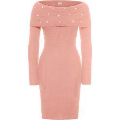 Sukienka z aplikacją z perełek bonprix różowy. Czerwone sukienki damskie bonprix, z aplikacjami, z dzianiny. Za 59.99 zł.