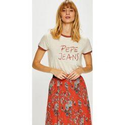Pepe Jeans - Top. Szare topy damskie Pepe Jeans, z aplikacjami, z dzianiny, z okrągłym kołnierzem, z krótkim rękawem. Za 179.90 zł.