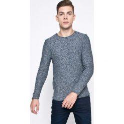 Review - Sweter. Szare swetry przez głowę męskie Review, z bawełny, z okrągłym kołnierzem. W wyprzedaży za 69.90 zł.