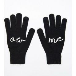 Pięciopalczaste rękawiczki z aplikacją - Czarny. Czarne rękawiczki damskie Cropp, z aplikacjami. Za 19.99 zł.