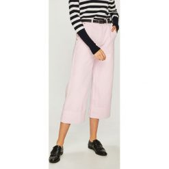Trendyol - Jeansy. Szare jeansy damskie Trendyol. W wyprzedaży za 69.90 zł.