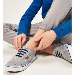 Bawełniane tenisówki - Jasny szar. Buty sportowe chłopięce marki bonprix. W wyprzedaży za 49.99 zł.