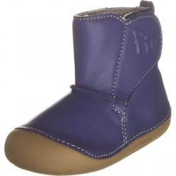 Skórzane botki w kolorze niebieskim. Botki dziewczęce marki Born2be. W wyprzedaży za 99.95 zł.