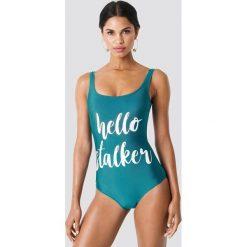 Trendyol Kostium kąpielowy Hello Stalker - Green. Zielone kostiumy jednoczęściowe damskie Trendyol, z nadrukiem. W wyprzedaży za 56.78 zł.