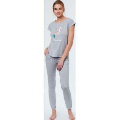 Etam - Top piżamowy Tropic. Szare piżamy damskie Etam, z nadrukiem, z bawełny. W wyprzedaży za 39.90 zł.