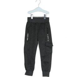 Ciemnoszare Dresowe Spodnie The Other. Szare spodnie sportowe dla chłopców Born2be, z dresówki. Za 29.99 zł.