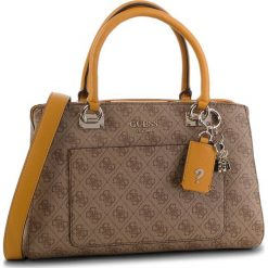 Torebka GUESS - HWSG71 74060 BRM. Brązowe torebki do ręki damskie Guess, z aplikacjami, ze skóry ekologicznej. Za 699.00 zł.