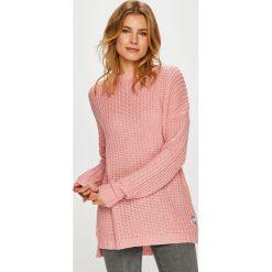 Femi Stories - Sweter Enzo. Różowe swetry damskie Femi Stories, z dzianiny, z okrągłym kołnierzem. W wyprzedaży za 239.90 zł.