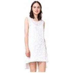 Desigual Sukienka Damska Mauricio M Biały. Białe sukienki damskie Desigual. W wyprzedaży za 290.00 zł.