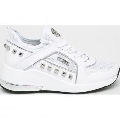 Guess Jeans - Buty. Szare obuwie sportowe damskie Guess Jeans, z aplikacjami, z gumy. Za 629.90 zł.