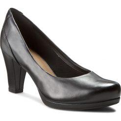 Półbuty CLARKS - Chorus Chic 261195294 Black Leather. Czarne półbuty damskie Clarks, ze skóry ekologicznej. W wyprzedaży za 269.00 zł.