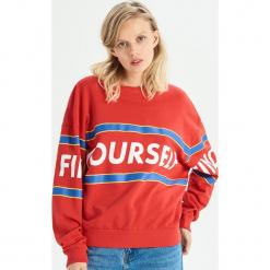 Bluza z kolorowym nadrukiem - Czerwony. Czerwone bluzy damskie Sinsay, w kolorowe wzory. Za 49.99 zł.
