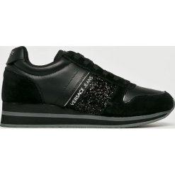 Versace Jeans - Buty. Czarne obuwie sportowe damskie Versace Jeans, z gumy. W wyprzedaży za 479.90 zł.