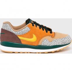 Nike Sportswear - Buty Air Safari. Różowe buty sportowe męskie Nike Sportswear, z gumy. W wyprzedaży za 379.90 zł.