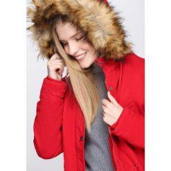 Czerwona Kurtka Ever Refuse. Czerwone kurtki damskie Born2be, na zimę. Za 249.99 zł.