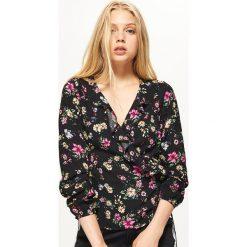 Koszula z kopertowym wiązaniem - Khaki. Koszule damskie marki SOLOGNAC. W wyprzedaży za 29.99 zł.