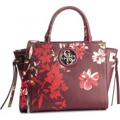 Torebka GUESS - HWPF71 86060 FLR. Czerwone torebki do ręki damskie Guess, z aplikacjami, ze skóry ekologicznej. Za 649.00 zł.