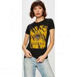 Guess Jeans - Top Daisy. Brązowe topy damskie Guess Jeans, z aplikacjami, z bawełny, z okrągłym kołnierzem, z krótkim rękawem. Za 189.90 zł.