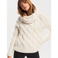 Gruby sweter - Kremowy. Białe swetry damskie Reserved. Za 179.99 zł.