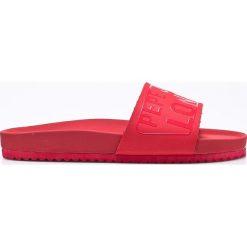 Pepe Jeans - Klapki Bio Royal Block. Czerwone klapki damskie Pepe Jeans, z jeansu. W wyprzedaży za 149.90 zł.