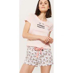 Piżamowa koszulka z napisem - Różowy. Koszule nocne damskie marki bonprix. W wyprzedaży za 19.99 zł.