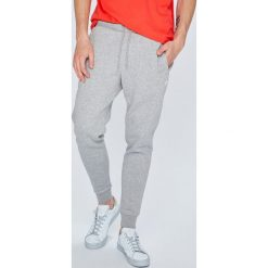 Adidas Originals - Spodnie. Spodnie sportowe męskie marki bonprix. W wyprzedaży za 219.90 zł.