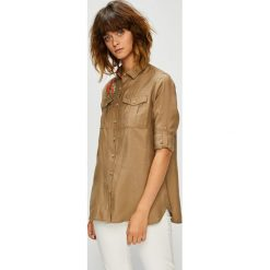 U.S. Polo - Koszula. Brązowe koszule damskie U.S. Polo, z poliesteru, casualowe, z klasycznym kołnierzykiem, z długim rękawem. W wyprzedaży za 379.90 zł.