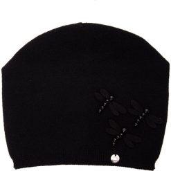 Czarna czapka z akrylowymi ważkami QUIOSQUE. Czarne czapki i kapelusze damskie QUIOSQUE, z dzianiny. Za 79.99 zł.